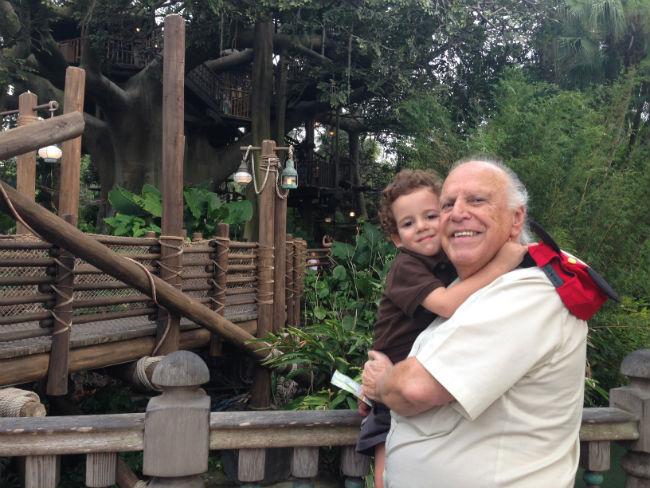 francisco e vovô na adventureland